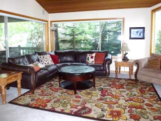 Sleeps 10 Family Home - 10 Unlimited SHARC Passes, Sunriver