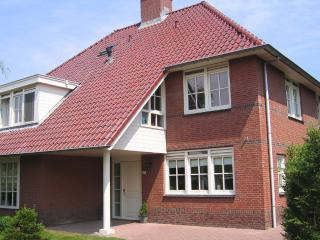 Elegant villa with 4 bedrooms in The Hague (Netherlands), Leidschendam
