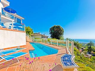 Sunset Villa, Sleeps 10, La Jolla