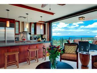 Master Chef designed kitchen, fully equiped and with panoramic ocean views.