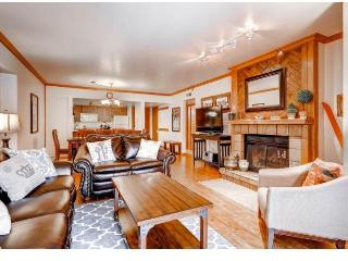 Main St/Town Lift Condo: 3 bed/2 ba Sleeps 10, Park City