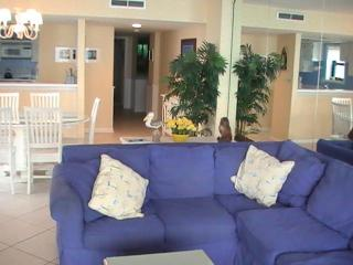 Oceanfront 3 Bedroom Vacation Rental with a Pool,, Myrtle Beach