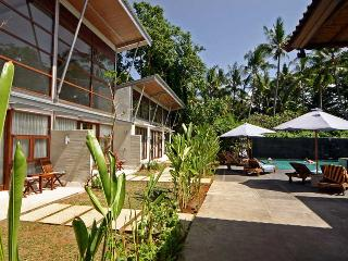 Luxury Suite by the Ocean, South Sanur