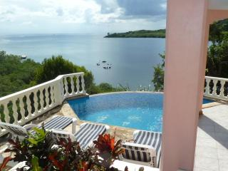 Absolutely Private Water Front 4BR/3BA Dream Home, Roatan