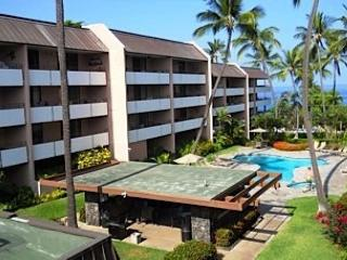 Ocean Views from 2 Bed, 2 Bath across the street from White Sands Beach!-WSV 210, Kailua-Kona