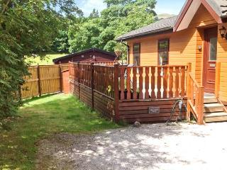 WANSFELL VIEW, single-storey detached lodge on a holiday park, en-suite, pet-friendly, near Troutbeck, Ref 903553