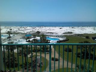 Magnificent Beachfront Condo,2 Bedroom,Plantation Palms,Great View, Gulf Shores