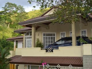 04 BR Luxury Bungalow in Kandy