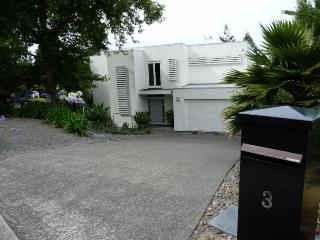 Quiet luxury apartment, Havelock North
