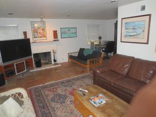 Beach House -   Short term or Corporate Leases, Newport Beach