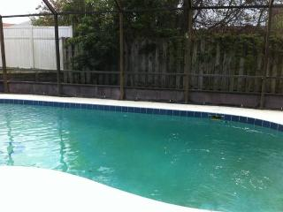 Beautiful 3 bedroom 2 bath Pool Home with large ga, Ormond Beach