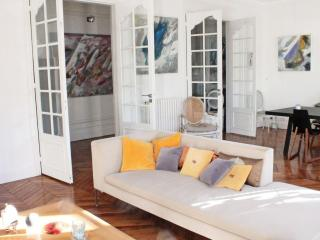 **LIGHT AND AIRY 2 BEDROOM APARTMENT - LE MARAIS** - Morzine vacation rentals