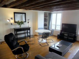 **MODERN 1 BEDROOM APARTMENT IN THE 2ND DISTRICT** - 6th Arrondissement Luxembourg vacation rentals