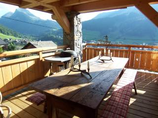 **5 BEDROOM CHALET CENTRE OF MORZINE - SLEEPS 12** - Morzine vacation rentals