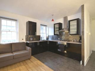 ***MODERN 2 BEDROOM APARTMENT IN COVENT GARDEN*** - Morzine vacation rentals