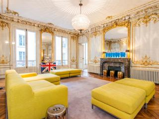 STATE OF THE ART - 3 bedroom LUXURY centre Paris - 9th Arrondissement Opéra vacation rentals