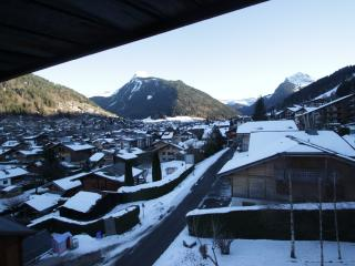 **6 PERSON APARTMENT IN MORZINE - BALCONY VIEW** - Morzine vacation rentals