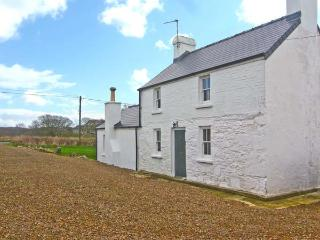 GLAN-YR-AFON, detached, family-friendly cottage, character features, WiFi, woodburner, country views, near St Davids, Ref 30631, St. Davids