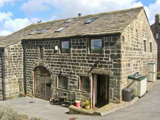 UPPER BARN, open plan living, pet-friendly, WiFi, beautiful countryside in Hebden Bridge Ref. 30843