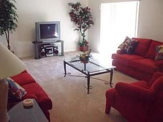 Relaxing 4 bedroom 3 Bath Pool and Spa home, Orlando