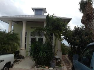 Million $$$ View Spacious and Conveniently Located, Jensen Beach