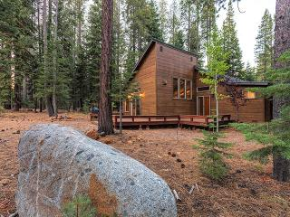 Lovely Remodeled Tahoe Donner Home, Truckee