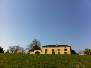 Handsome rural farmhouse with superb private pool, Montcabrier