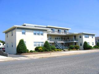 2828 Avalon Avenue Unit: 4, Bethesda