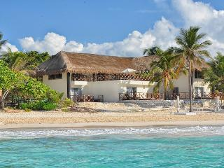 MAYA - OCEA6 - A beachfront home with a privileged location, Paamul