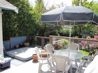 Beaches Executive Home - 1 week min only, Victoria