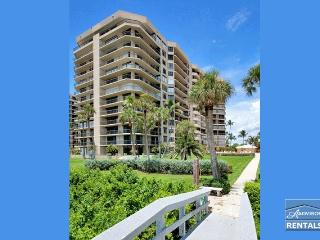 Stunning beach views and sunsets from every room. 90 day minimum, Marco Island