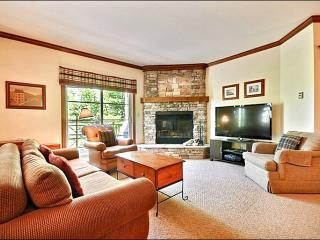 Perfect for Nature Lovers - Tastefully Decorated & Conveniently Located (6094), Mont Tremblant