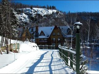 Private Balcony with Beautiful Lake Views - Ice Skating Pond (6100), Mont Tremblant