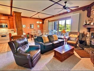Lovely Forest View - Walking Distance from Resort & Golf Course  (6143), Mont Tremblant