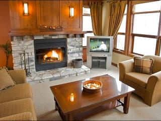 Beautiful Golf Course and Resort Views - Common Area All Year Hot Tub (6167), Mont Tremblant