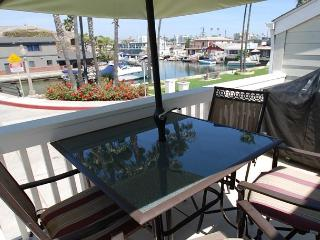 Gorgeous Three Bedroom Canal View (68377) - Newport Beach vacation rentals