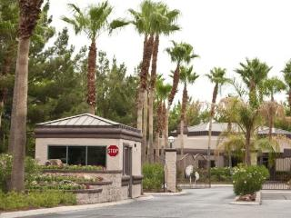 Guard Gated Luxury Condo Minutes from the STRIP, Las Vegas