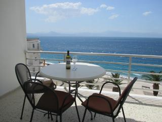 Lourakion Beachview Apartment, Loutraki