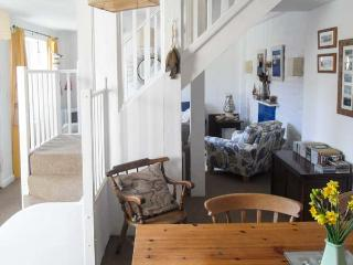 4 ELM TERRACE, pet friendly, character holiday cottage, with a garden in Mevagissey, Ref 2012