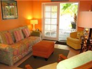 DINNER IS POURED - Key West vacation rentals