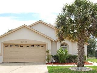 Spacious chalet style 4BR w/ large private pool - 16150EGRET, Clermont