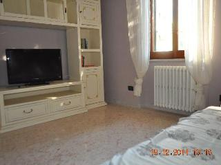 Flatinrome Cornelia2 - sleeps 6 close to metro - Rome vacation rentals