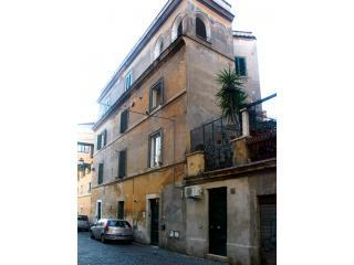 Flatinrome Trastevere - 5 aparts with terrace - Rome vacation rentals