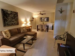Remodeled Comfortable Quiet 1 BR Condo, Palm Springs