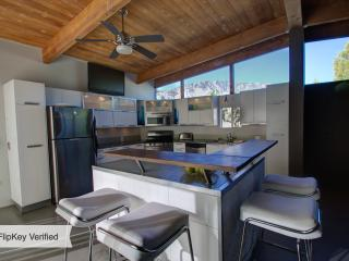 Hip and Luxurious Mid Century Alexander Home, Palm Springs