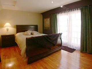 Maple  - The Bedroom - Quiet Canyon 1 Bed Home Between Downtown Hollywood - Los Angeles - rentals