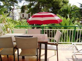 Seaside apartment, 100 m to the beach. Sleeps 6. - Vilanova i la Geltru vacation rentals
