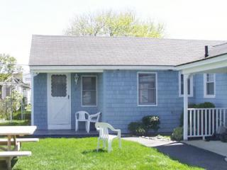 Nice get-away on quiet street in upper beach (LC7) - Hampton vacation rentals