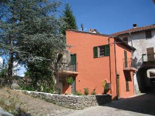 Borgo: a romantic historical house for two - Savona vacation rentals