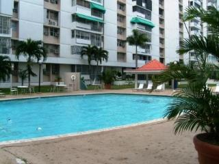 Isla Verde Apartment - Large & Elegant - 3 bedroom - San Juan vacation rentals